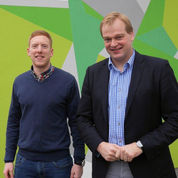 Jonas Roosmann und Albert Stegemann bei einem Treffen im Wahlkreis.