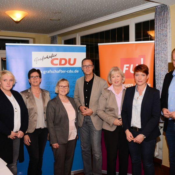 Foto (v.l.): Maria Borker, Anita Feld, Marianne Wiggering, Martha Laarmann, Roy Kühne, Monika Wassermann, Kathrin Geerdes und Albert Stegemann.
