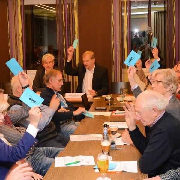 Mit großer Mehrheit wählten CDU-Mitglieder die Delegierten für den Landesparteitag in Hameln. Dort soll Dr. Bernd Althusmann zum Spitzenkandidaten für den anstehenden Landtagswahlkampf gewählt werden.