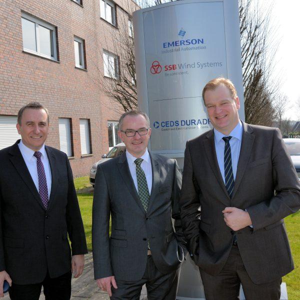 Foto (v.l.): Andreas Kaiser, Bürgermeister Salzbergen; Helmut Reinke, Prokurist SSB Wind Systems; Albert Stegemann, MdB