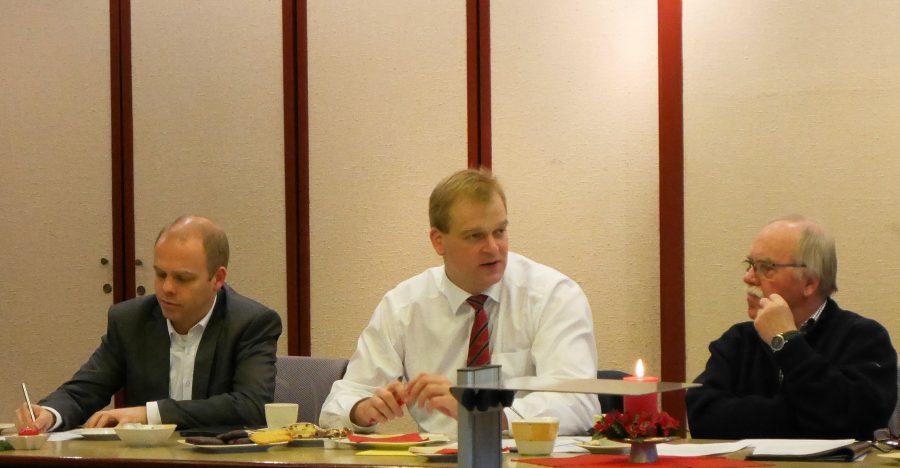 Foto (v.l.): Markus Silies, Vorsitzender des CDU-Kreisverbandes Lingen; Albert Stegemann, MdB; Theo Weggert, Vorsitzender der Senioren Union CDU im Kreisverband Lingen