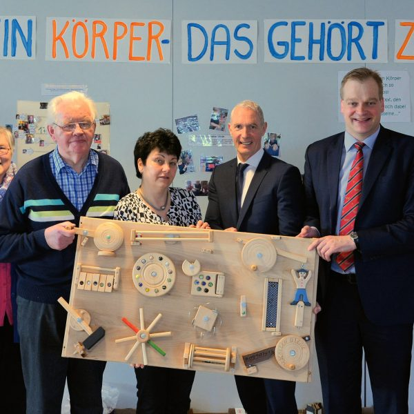 Foto (v.l.): Frau Köllen, Hubert Köllen, Jutta Lux, Thomas Kolde, Albert Stegemann, Hermine Roseman