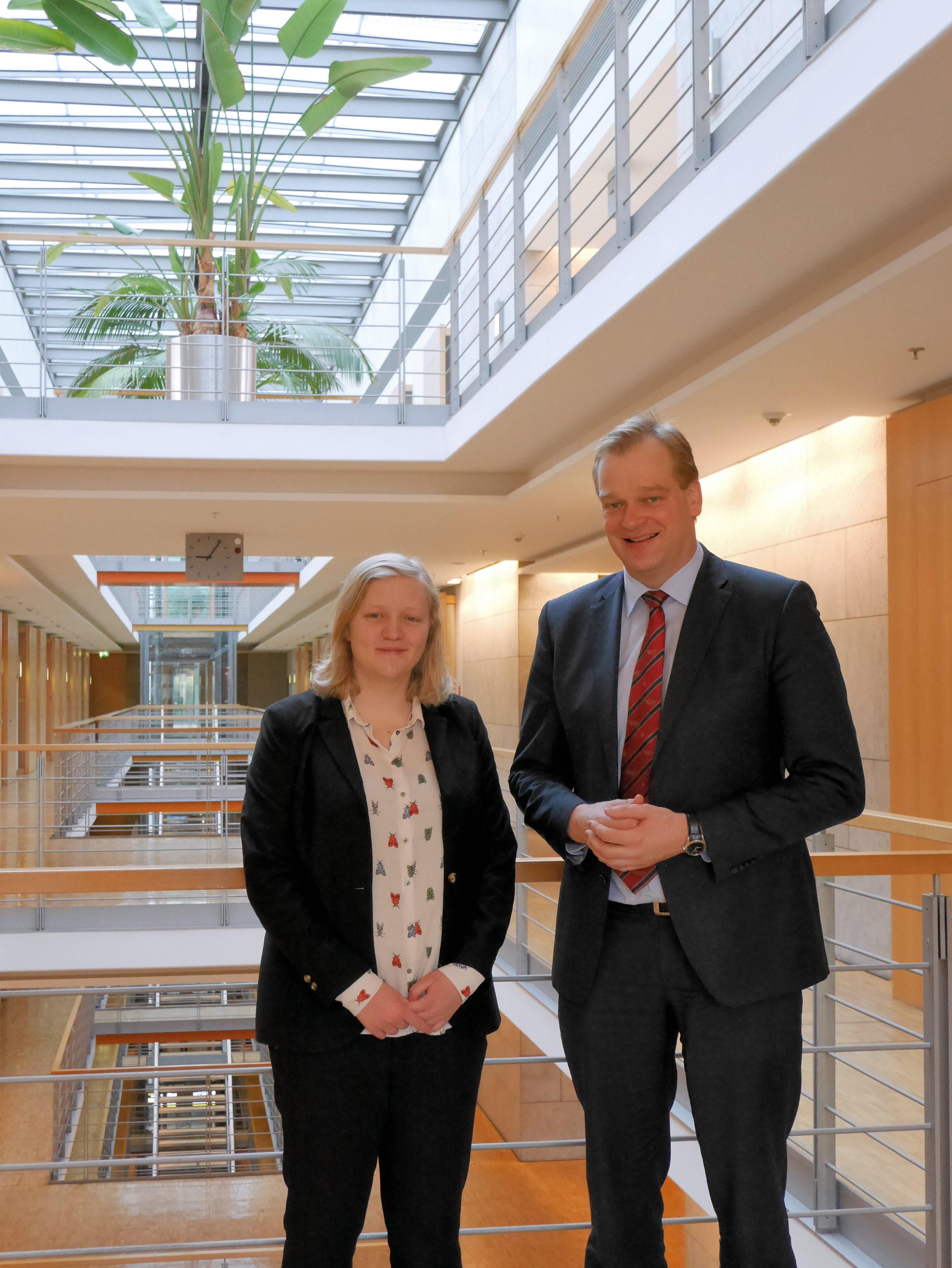 Theresa Meiners und Albert Stegemann im Deutschen Bundestag