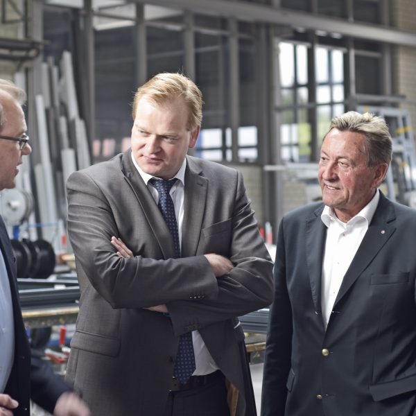 Berthold Schotemeier (Schotemeier Ingenieur-Metallbau-GmbH - Bad Bentheim), Albert Stegemann (MdB), Walter Lonsinger (Vorstandsvorsitzender A|U|F), Gerd Hindriks (Kreishandwerksmeister)