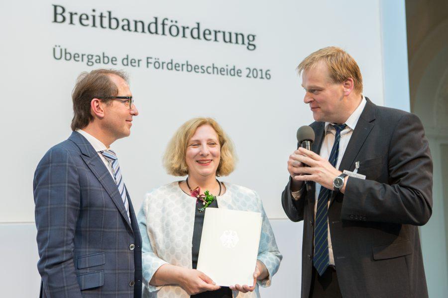 Stegemann erläutert Bundesminister Dobrindt die Wichtigkeit des Breitbandausbaus in der Region