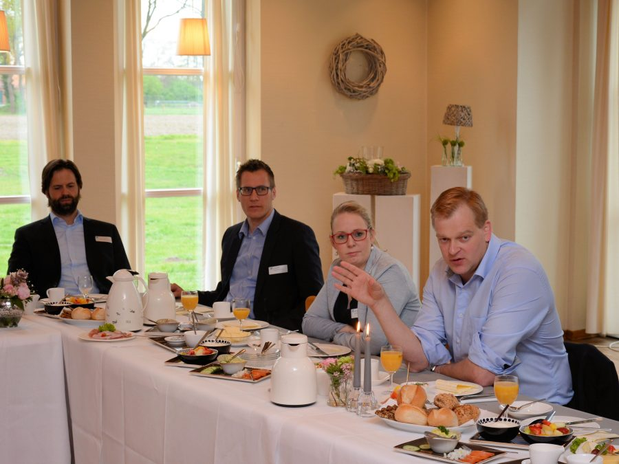 Intensiv diskutierte Stegemann mit den Wirtschaftsjunioren Emsland-Grafschaft Bentheim