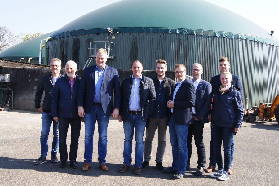 Die neue Stoffstrombilanz war ein Thema beim Besuch des Bundestagsabgeordneten Albert Stegemann (3.v.l.) bei der Firma Corntec in Twist