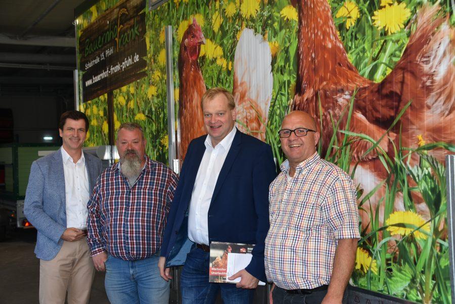 Foto (v.l.n.r.): Dr. André Berghegger MdB, Sascha Wahnschaffe, Albert Stegemann MdB, Dipl. Ing. Agra Michèl Wahnschaffe