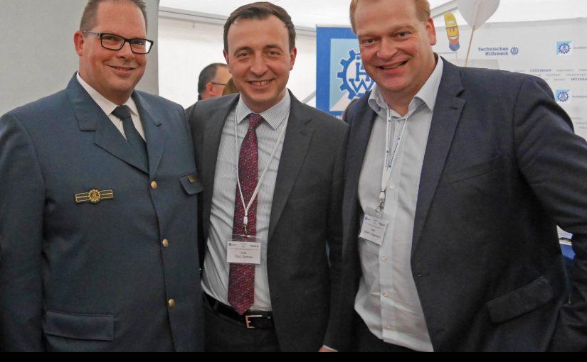 THW-Regionalstellenleiter Dirk Herzog, CDU-Generalsekretär Paul Ziemiak und Albert Stegemann