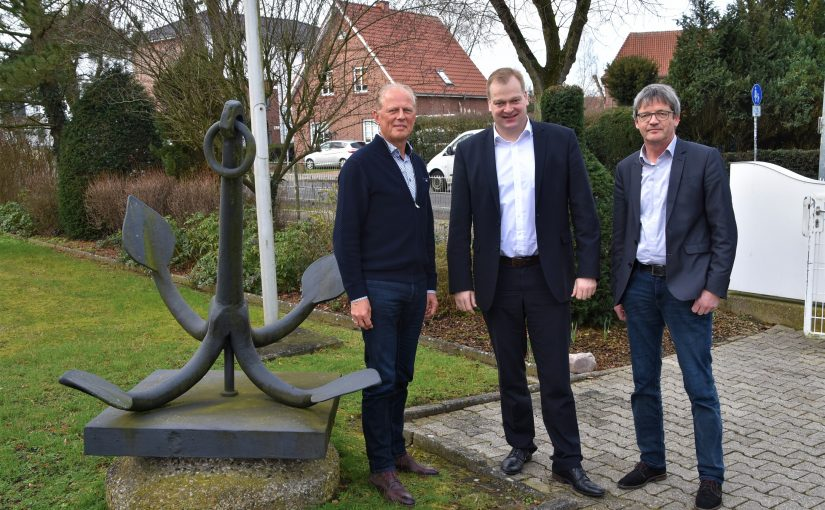 Foto (v.l.n.r.): Norbert Gebken, Albert Stegemann MdB, Hermann Poppen (Leiter WSA Ems-Nordsee)